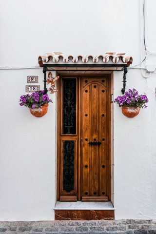 Different Types Of Doors Used in Building And Their Uses